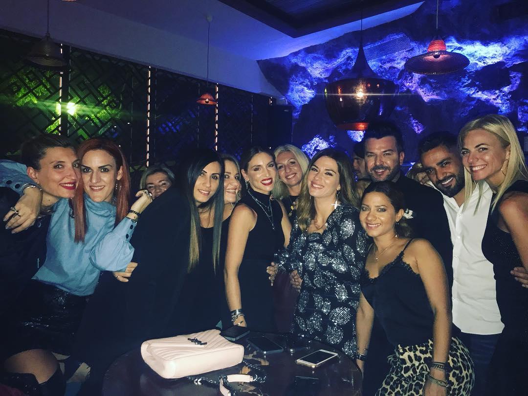 Bάσω Λασκαράκη: Έλαμπε στην αγκαλιά του Λευτέρη Σουλτάτου στο πάρτι για τα γενέθλιά της! Φωτογραφίες | tlife.gr