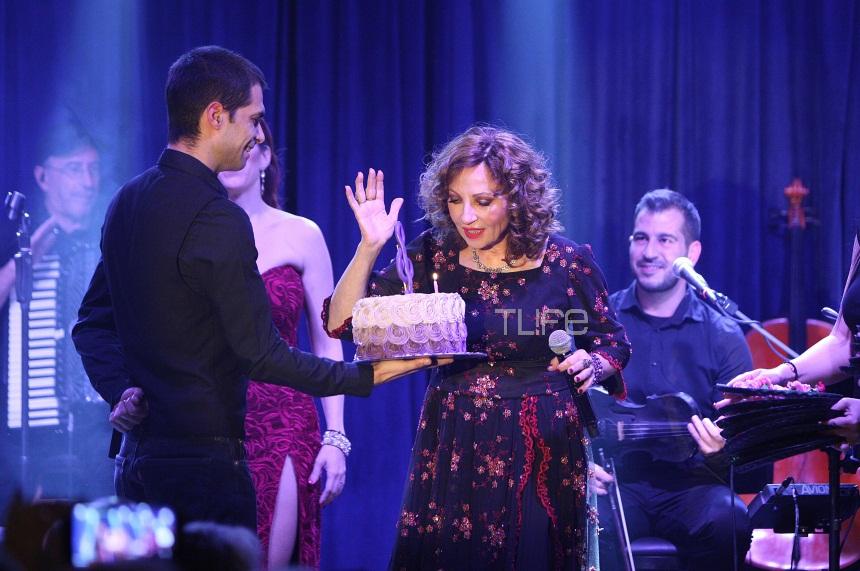 Γλυκερία: Η ξεχωριστή έκπληξη στη σκηνή για τα γενέθλιά της! [pics] | tlife.gr