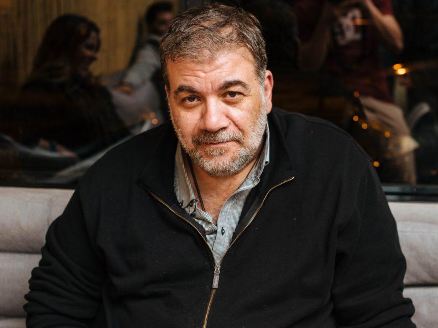 Δημήτρης Σταρόβας: Σπάνια δημόσια εμφάνιση με τη σύντροφό του, Άννα Σταθάκη! | tlife.gr