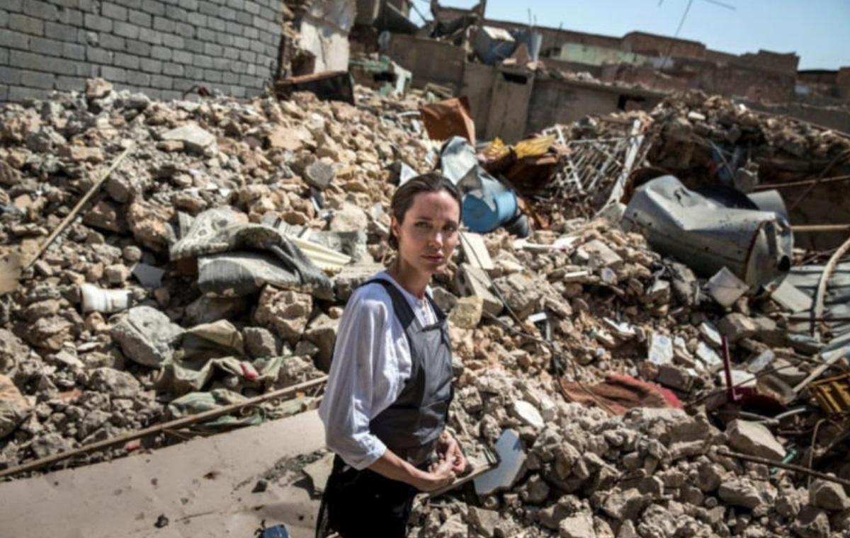 Μαίνονται οι πολύνεκρες μάχες στην Υεμένη – Έκκληση από την Αντζελίνα Τζολί για κατάπαυση του πυρός | tlife.gr