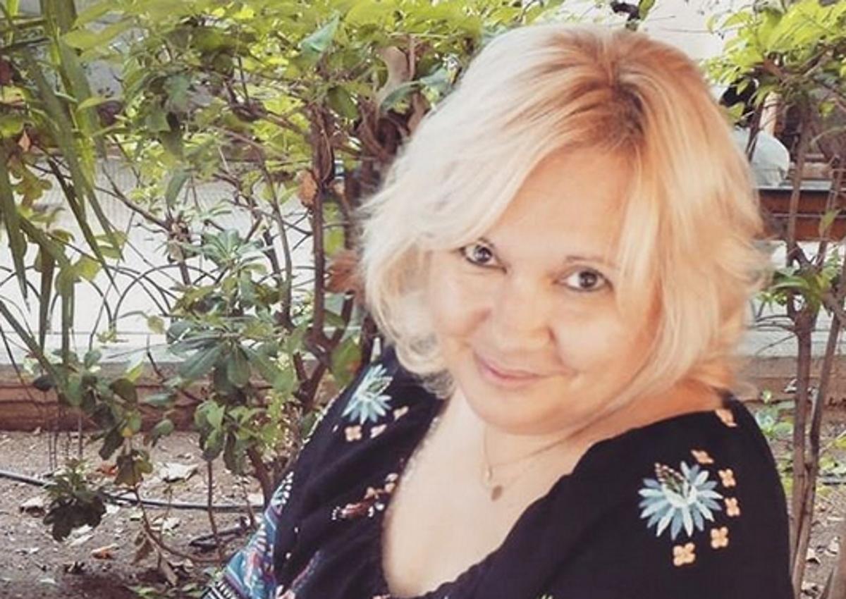 Δύσκολες ώρες για την Καίτη Φίνου  – Η απώλεια που την βύθισε στο πένθος   tlife.gr