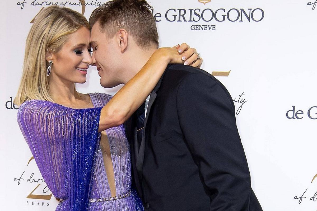 Paris Hilton: Δεν θέλει να επιστρέψει το δαχτυλίδι αρραβώνων στον Chris Zylka