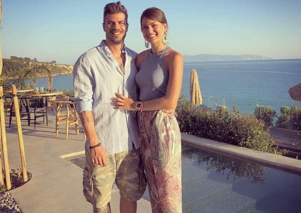Άκης Πετρετζίκης – Φωτεινή Παπαλεωνιδοπούλου: Χώρισαν μετά από τρεις μήνες σχέσης! | tlife.gr