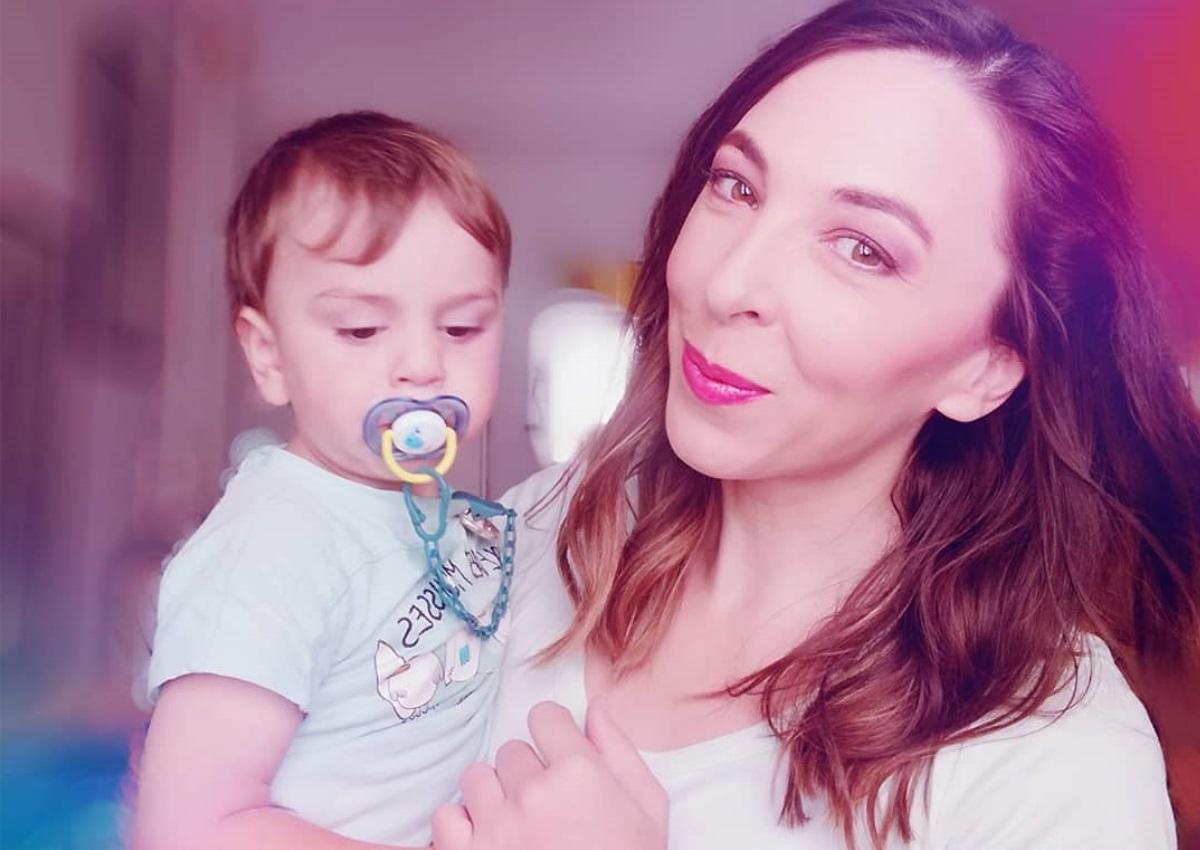 Αλίκη Κατσαβού: Δες πώς γυμνάζεται με τον Φοίβο Βουτσά στο σαλόνι του σπιτιού τους! [video] | tlife.gr