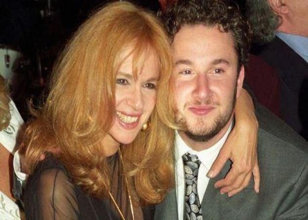 Γιάννης Παπαμιχαήλ: Ο γιος της Αλίκης «εγκρίνει» την Μαρία Κορινθίου και προκαλεί τα αρνητικά σχόλια των followers! | tlife.gr