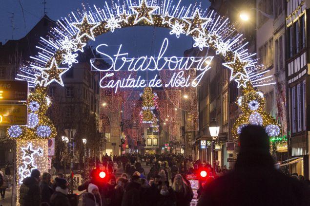 Tο Στρασβούργο εγκαινίασε την 449η χριστουγεννιάτικη αγορά του! | tlife.gr
