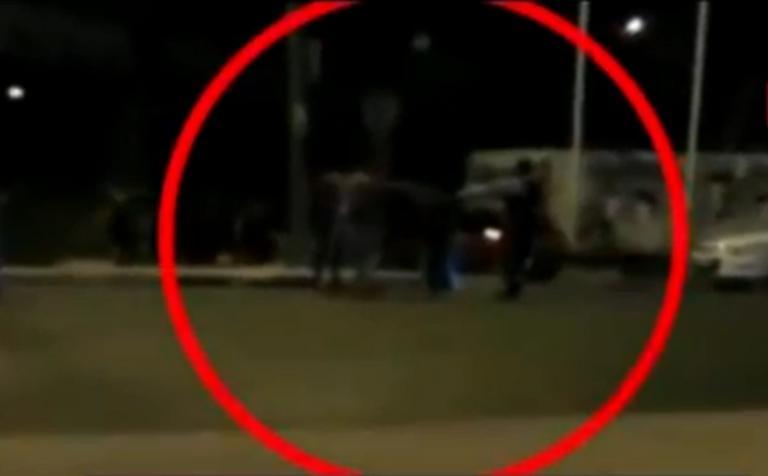 Βίντεο ντοκουμέντο: Οι αστυνομικοί δέχονται άγρια επίθεση στην Πειραιώς! Πυροβολισμοί και ξύλο! | tlife.gr