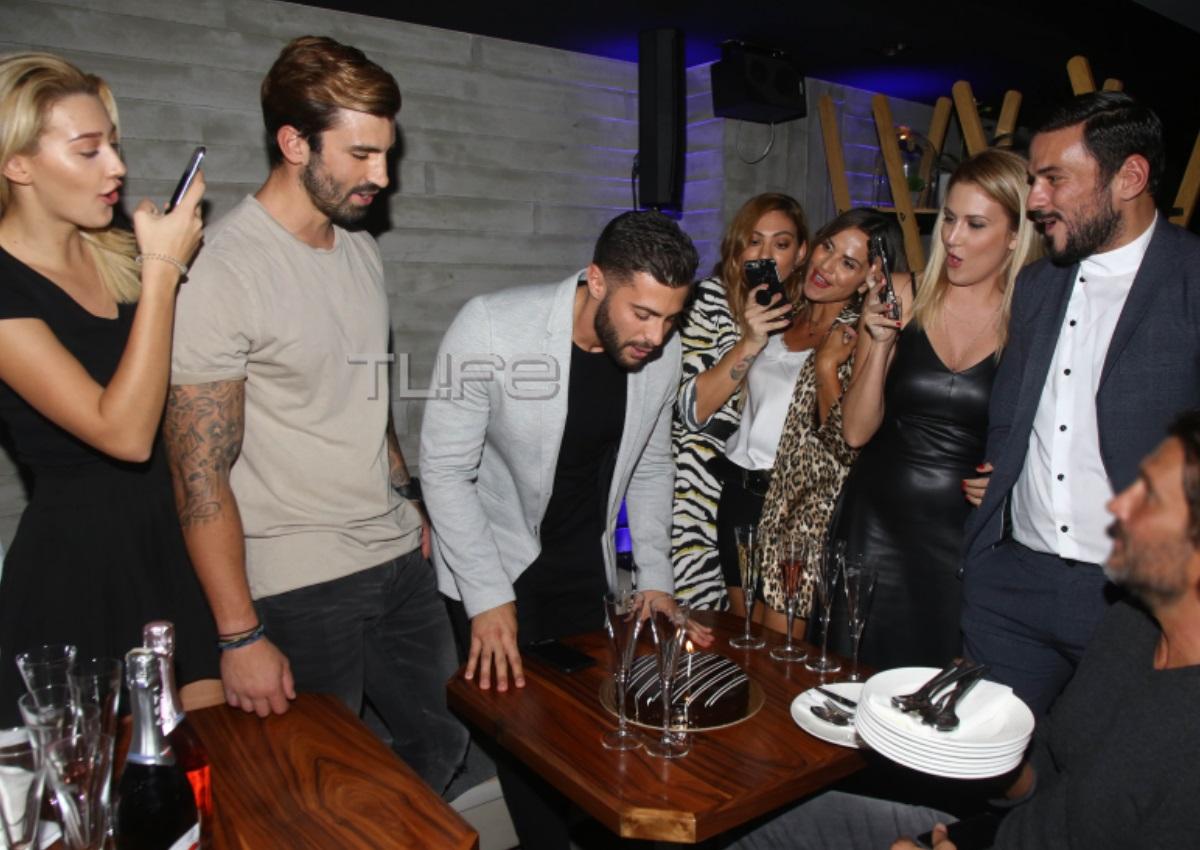 Κωνσταντίνος Βασάλος: Γιόρτασε τα γενέθλια του με την σύντροφό του και τους φίλους του![pics] | tlife.gr