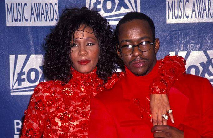 Ο Bobby Brown μήνυσε το δίκτυο BBC για το ντοκιμαντέρ της Whitney Houston | tlife.gr