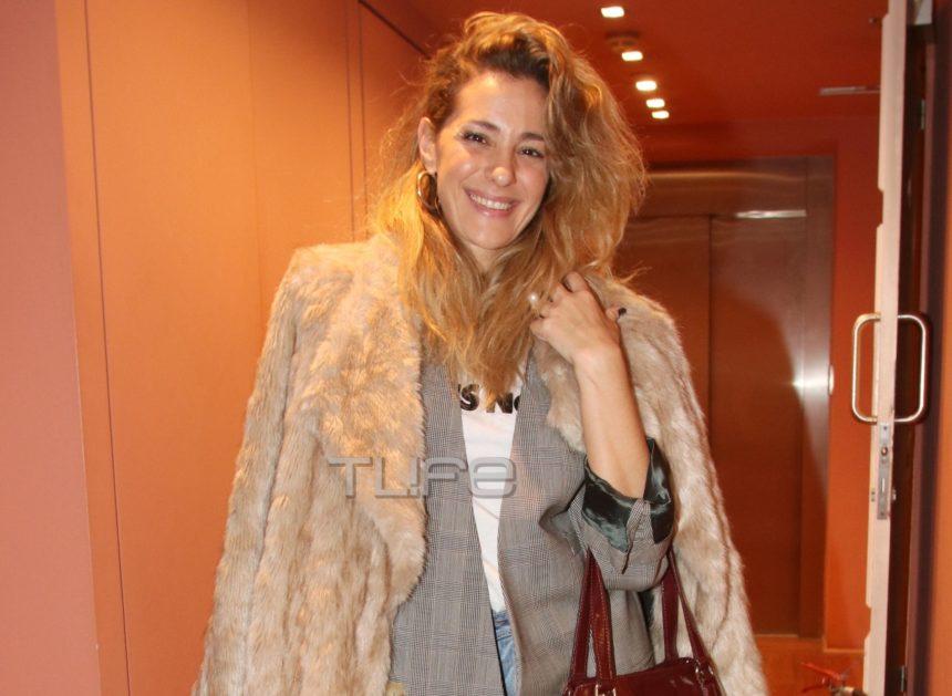 Νατάσσα Μποφίλιου: Με casual εμφάνιση στο θέατρο [pics] | tlife.gr