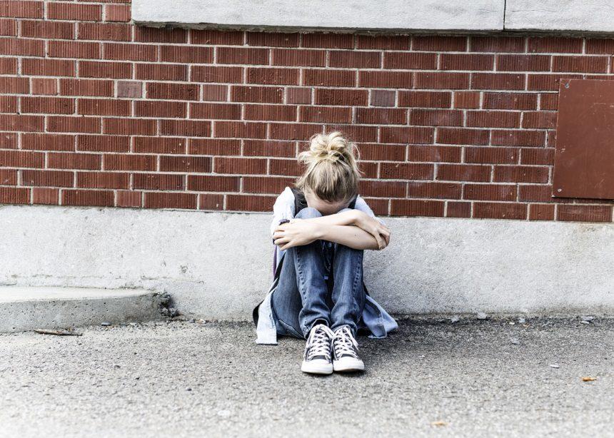Το φαινόμενο του σχολικού εκφοβισμού: Ποιες είναι οι αιτίες του και σε ποιες μορφές συναντάται | tlife.gr