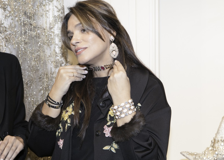 H Jade Jagger παρουσίασε τη νέα συλλογή κοσμημάτων της στο ατελιέ της Σίλιας Κριθαριώτη! | tlife.gr