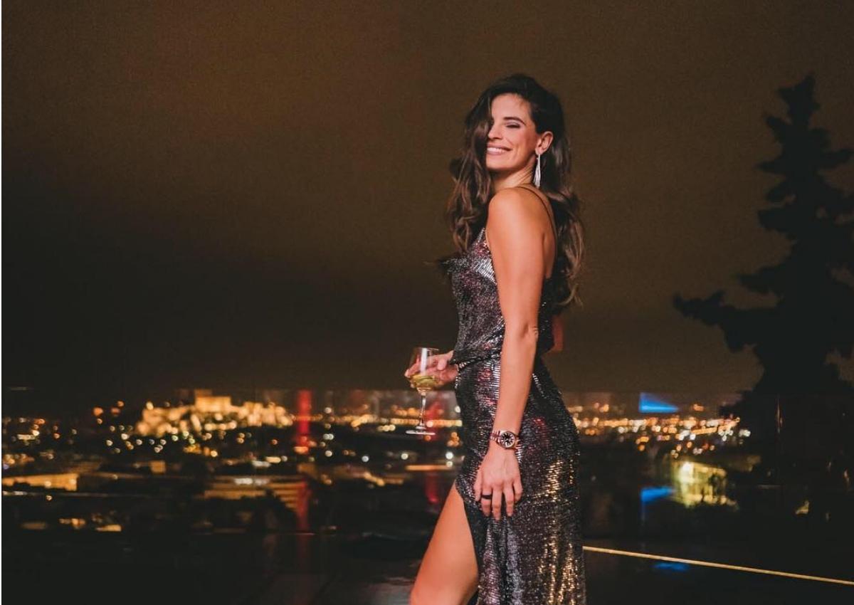 Χριστίνα Μπόμπα: Η σέξι εμφάνιση και ο χορός με την Αθηνά Οικονομάκου στα γενέθλια της κουμπάρας της!   tlife.gr