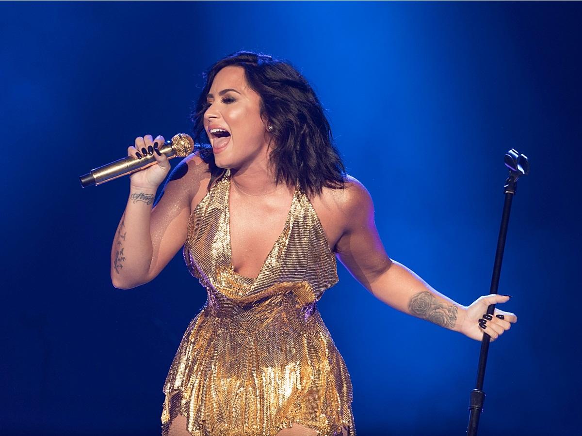 Η Demi Lovato βγήκε από την κλινική αποτοξίνωσης! Οι πρώτες φωτογραφίες | tlife.gr