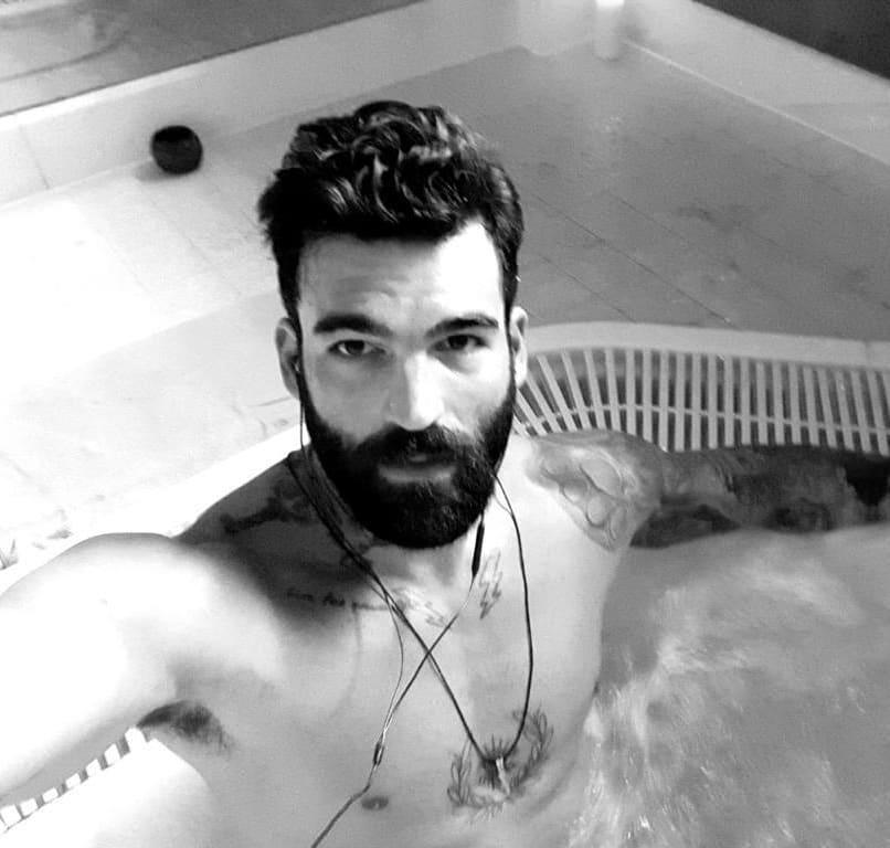 Ο Δημήτρης Αλεξάνδρου ποζάρει… γυμνός στο instagram! [pic] | tlife.gr