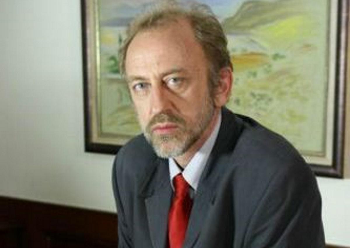 Σπάνια εμφάνιση για τον Υπουργό από το Παρά 5 – Δες πως είναι σήμερα [pics] | tlife.gr