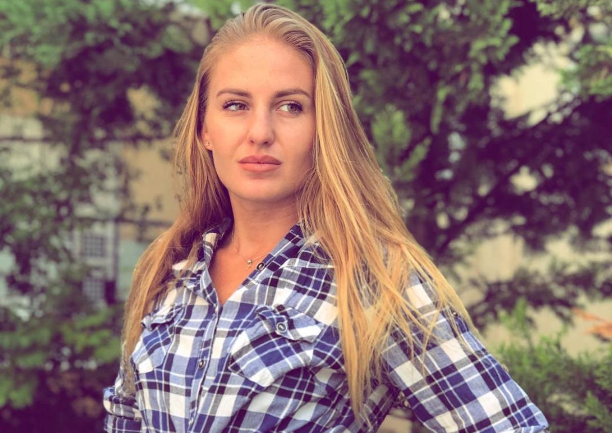Η Κατερίνα Δαλάκα μας συστήνει τη μικρότερη αδερφή της: Δες πόσο μοιάζουν!   tlife.gr