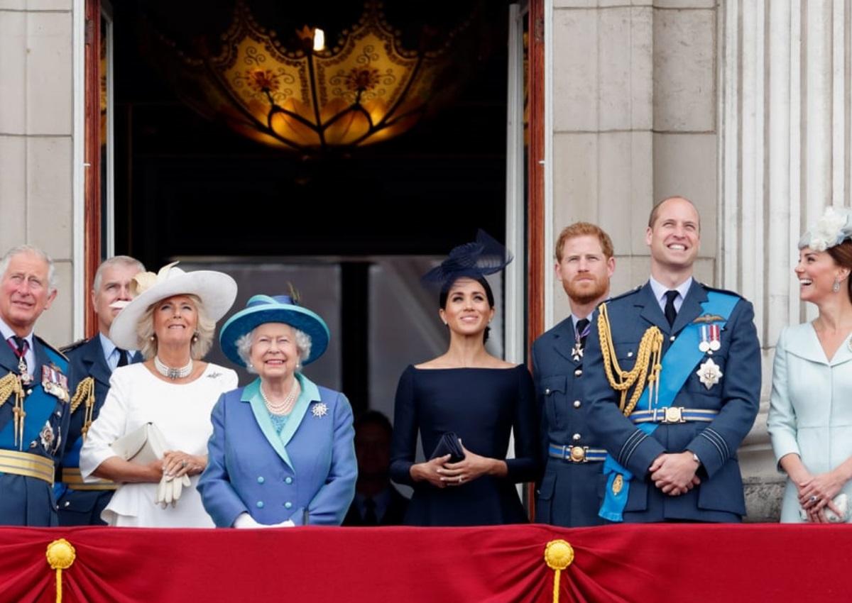 Η φωτογράφηση της βασιλικής οικογένειας για τα γενέθλια του πρίγκιπα Κάρολου δεν είναι σαν όλες τις άλλες! | tlife.gr