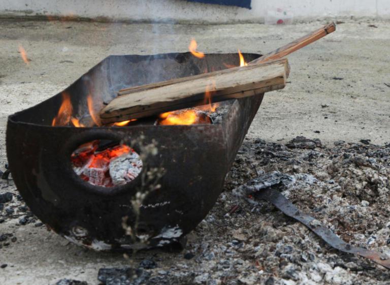 Φωτιά με έναν νεκρό κοντά στο στρατόπεδο Καποτά | tlife.gr