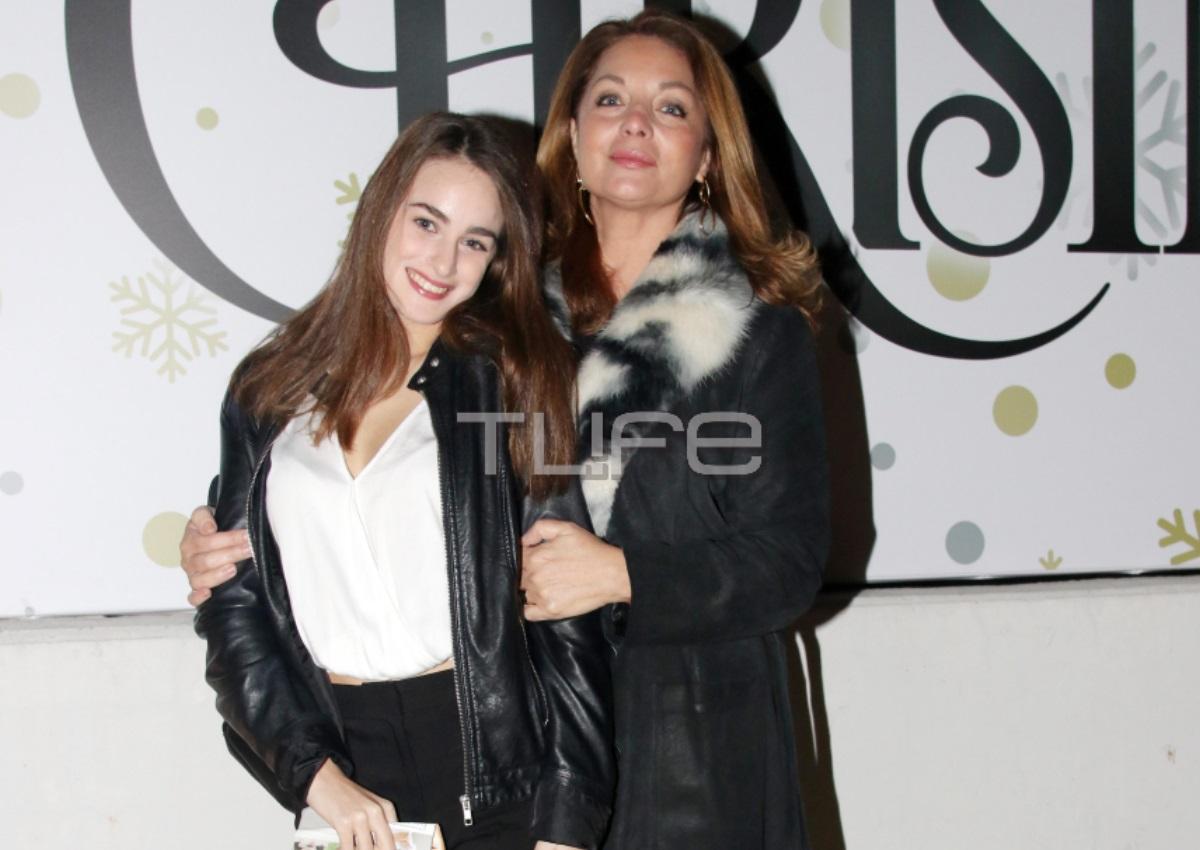 Άντζελα Γκερέκου – Μαρία Βοσκοπούλου: Μαμά και κόρη σε βραδινή τους έξοδο! [pics] | tlife.gr