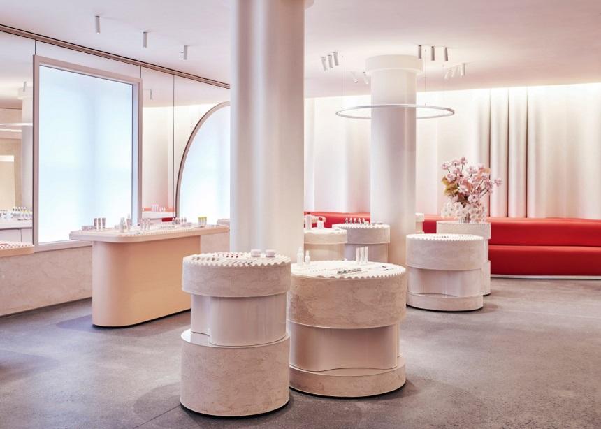 Glossier Flagship Store: Ο νέος iconic χώρος του διάσημου beauty brand άνοιξε τις πόρτες του στην Νέα Υόρκη | tlife.gr
