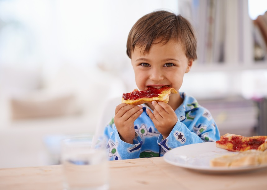Healthy kids: Φτιάξε στο σπίτι 10 υγιεινά snacks που θα λατρέψουν τα μικρά σου | tlife.gr