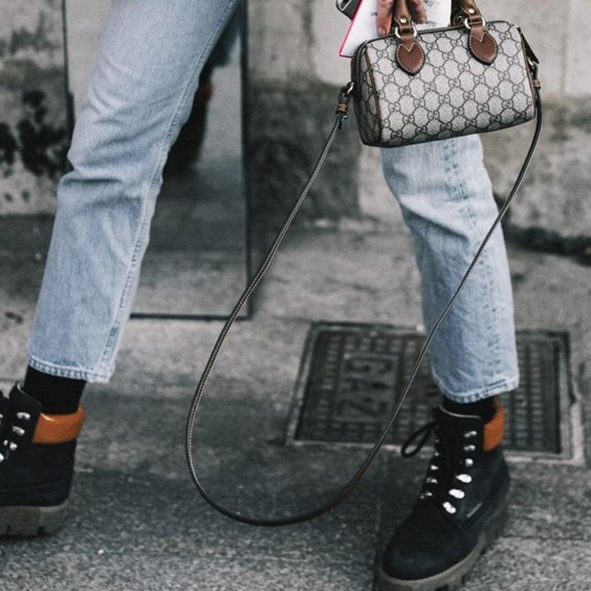 Aυτά τα μποτάκια είναι το νέο super trend και δεν έχουν τακούνι | tlife.gr