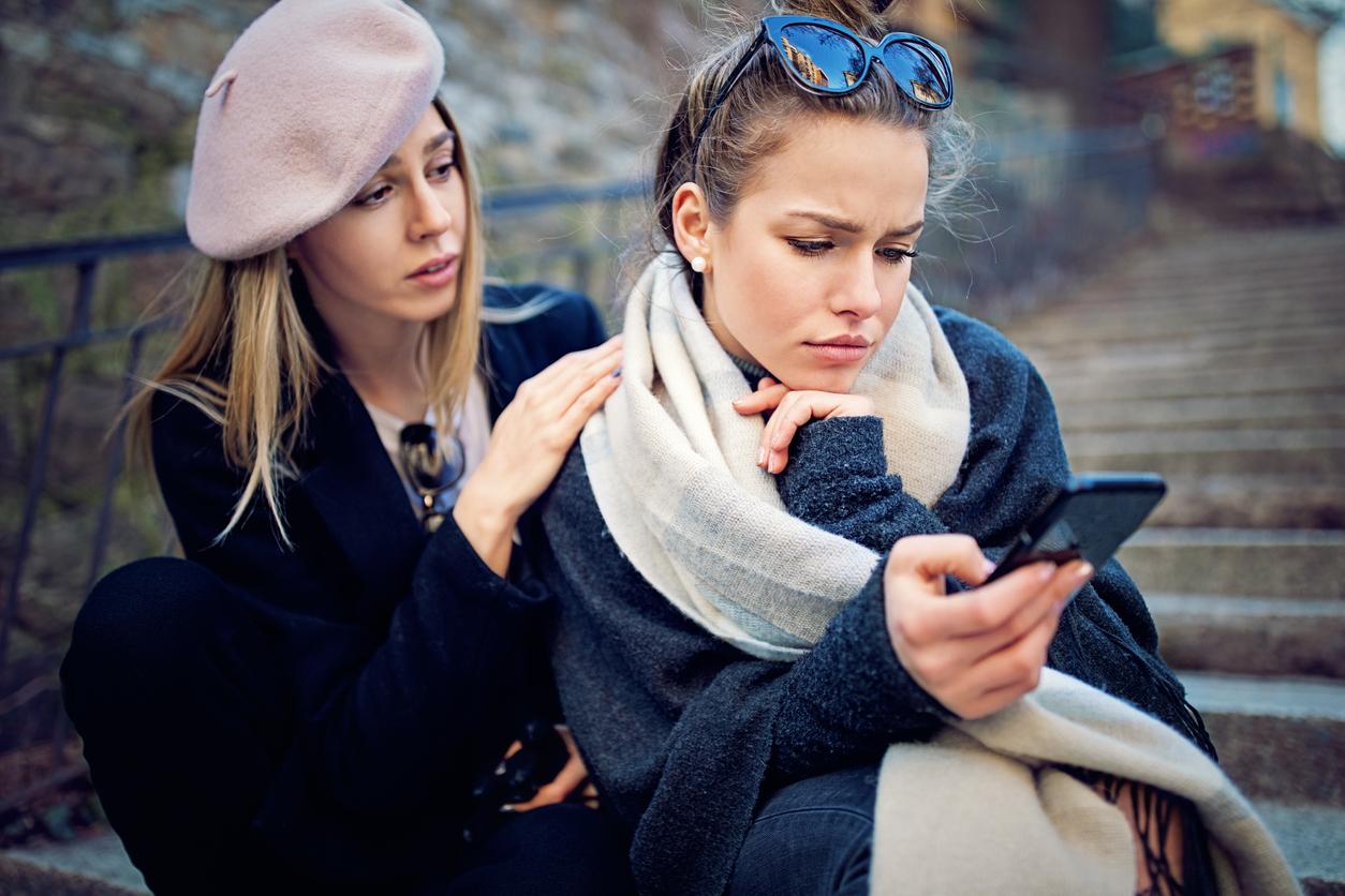 Πως συμπεριφερόμαστε σε μια φίλη που χωρίζει; Τι πρέπει να προσέξουμε; | tlife.gr
