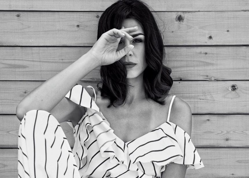 Ιωάννα Τριανταφυλλίδου: Ποζάρει με μαγιό στην παραλία και εντυπωσιάζει με το κορμί της! [pic]   tlife.gr