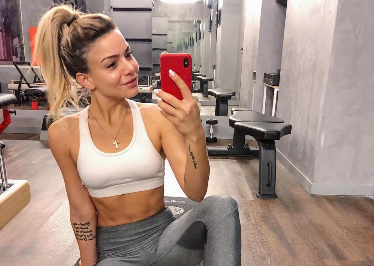 Josephine: Κόβει την ανάσα με το σέξι κορμί της στο instagram κάνοντας γυμναστική! video | tlife.gr