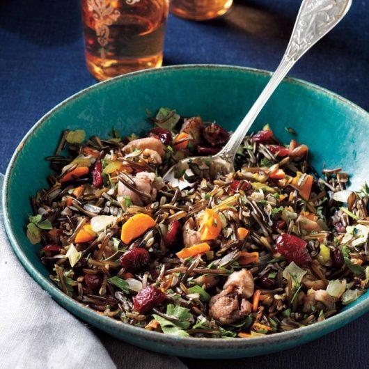 Άγριο ρύζι με κάστανα και cranberries | tlife.gr