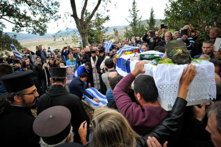 Αλβανία: Ανεπιθύμητοι 52 Έλληνες που βρέθηκαν στην κηδεία του Κωνταντίνου Κατσίφα | tlife.gr