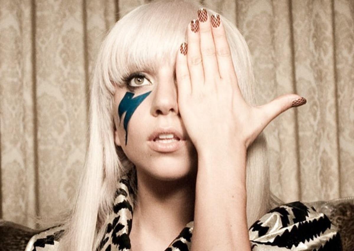 Η Lady Gaga, έγινε «Delivery Girl» για καλό σκοπό και συγκίνησε τους θαυμαστές της! [pics] | tlife.gr