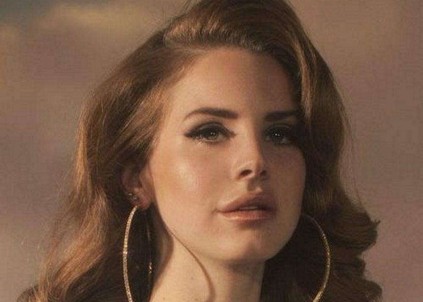 "Lana Del Rey: Αυτό είναι το ""χριστουγεννιάτικο"" σπίτι που μόλις απέκτησε η… μελαγχολική τραγουδίστρια | tlife.gr"