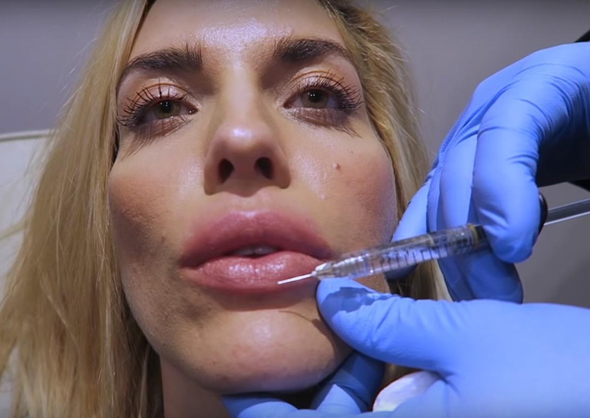 Μαντώ Γαστεράτου: Επισκέφθηκε τον πλαστικό χειρουργό και… φούσκωσε τα χείλη της on camera! | tlife.gr