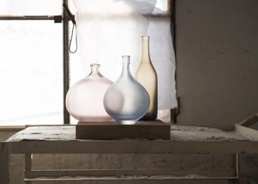 Αυτή η συλλογή βάζων του Matteo Thun είναι ένα έργο τέχνης αφιερωμένο στους υαλουργούς του Μουράνο | tlife.gr