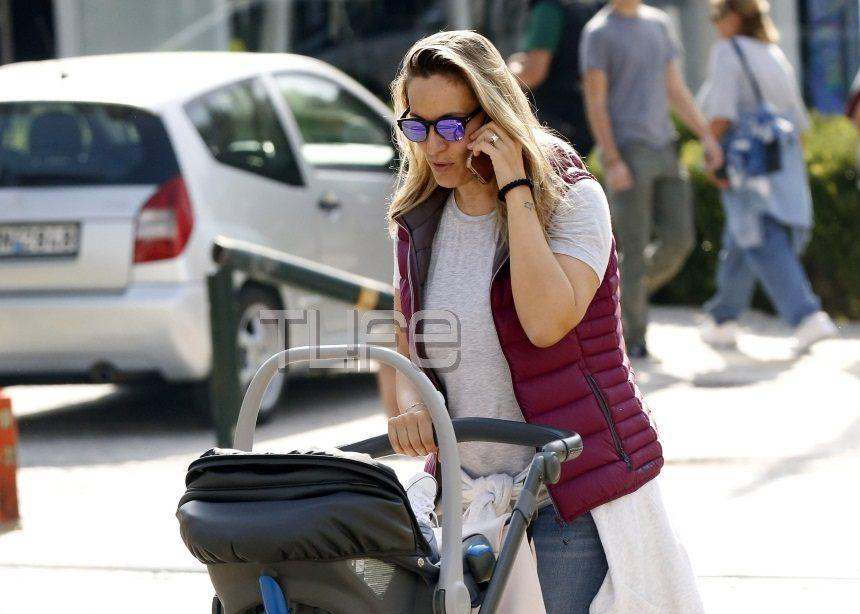 Ελεονώρα Μελέτη: Βόλτες στην Γλυφάδα με την έξι μηνών κόρη της! [pics] | tlife.gr