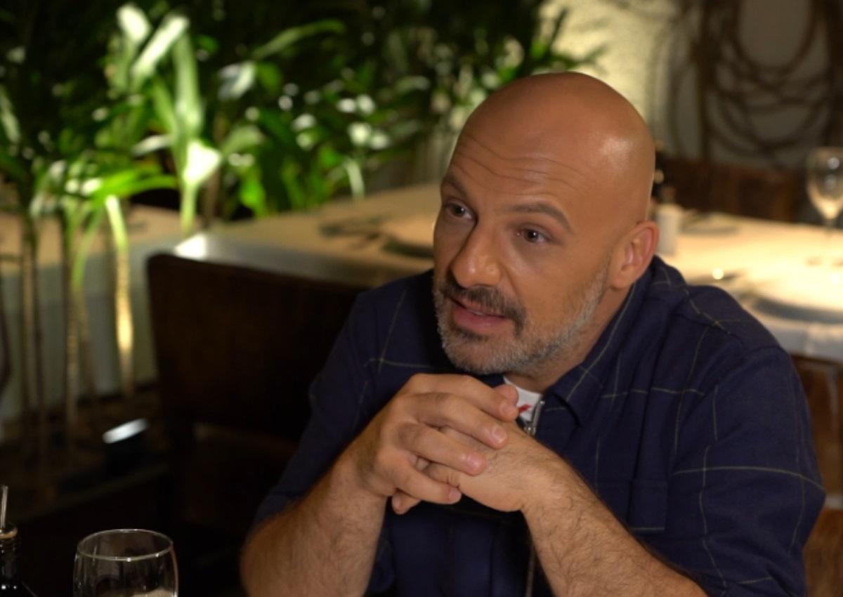 Nίκος Μουτσινάς: «Ό,τι θέλω είμαι! Δεν θέλω να σου απαντήσω και σε όλες τις ερωτήσεις!»   tlife.gr
