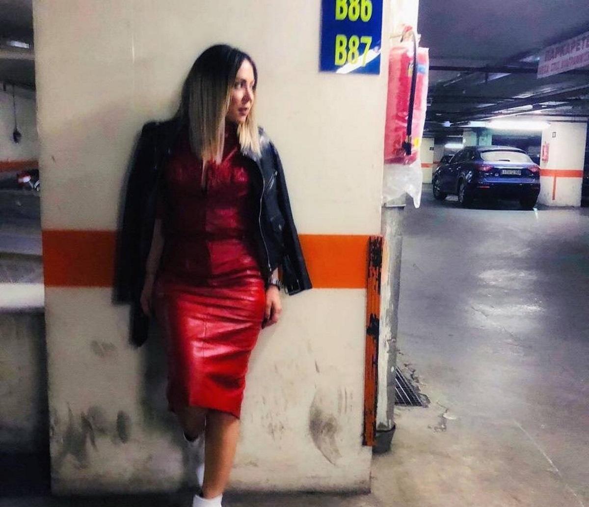 Μελίνα Ασλανίδου: Αφέθηκε στα χέρια του συντρόφου της για το hairlook της! Video
