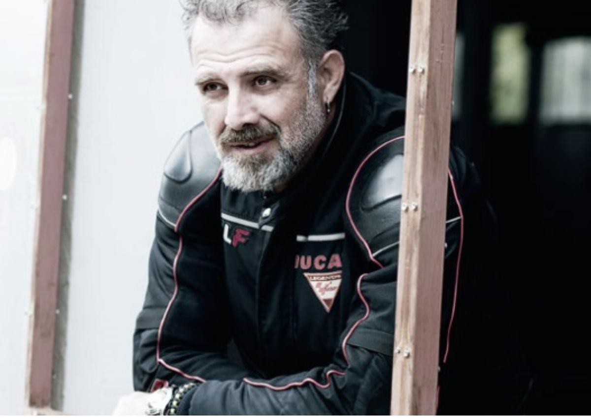 Πασχάλης Τσαρούχας: Μεγάλη αγωνία για τον ηθοποιό κατά τη διάρκεια της πρεμιέρας του! | tlife.gr