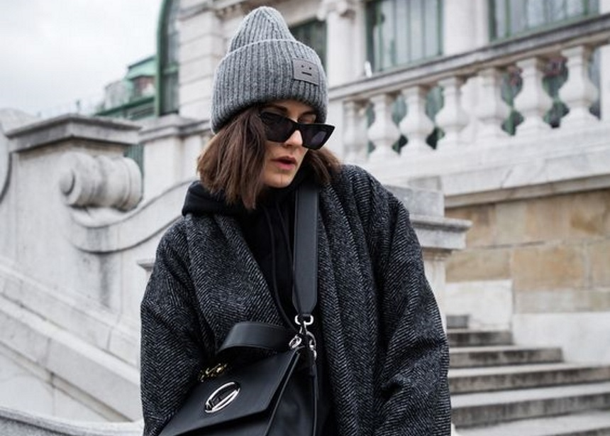 Aυτό είναι το παλτό που ψάχνουν περισσότερο στο internet τώρα (και δεν είναι το μαύρο) | tlife.gr