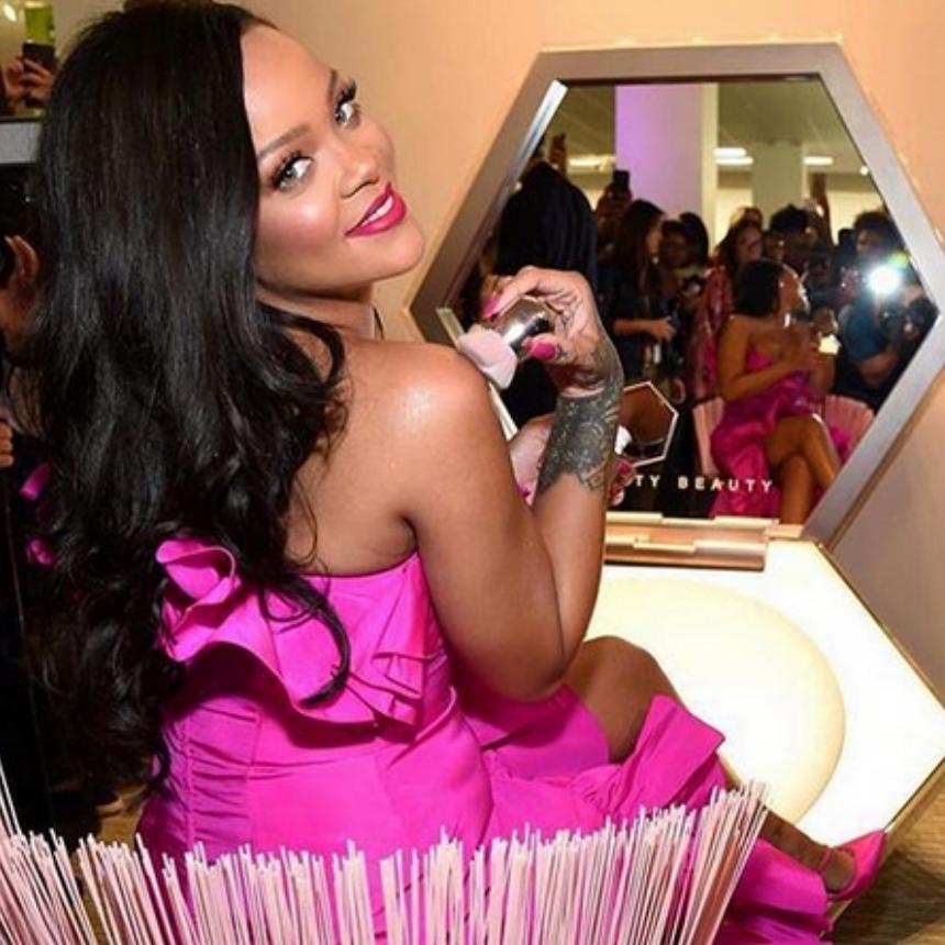 Η makeup artist της Rihanna, Priscilla Ono, μας δίνει το tip για λάμψη και τον χειμώνα! | tlife.gr