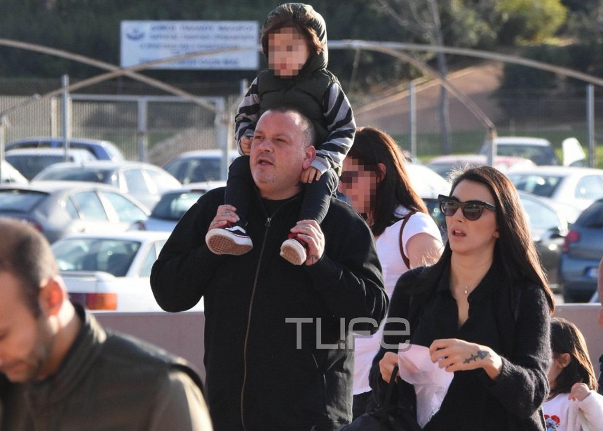 Δημήτρης Σκαρμούτσος: Σπάνια δημόσια έξοδος με τη σύζυγό του και τον τριών ετών γιο τους! [pics] | tlife.gr