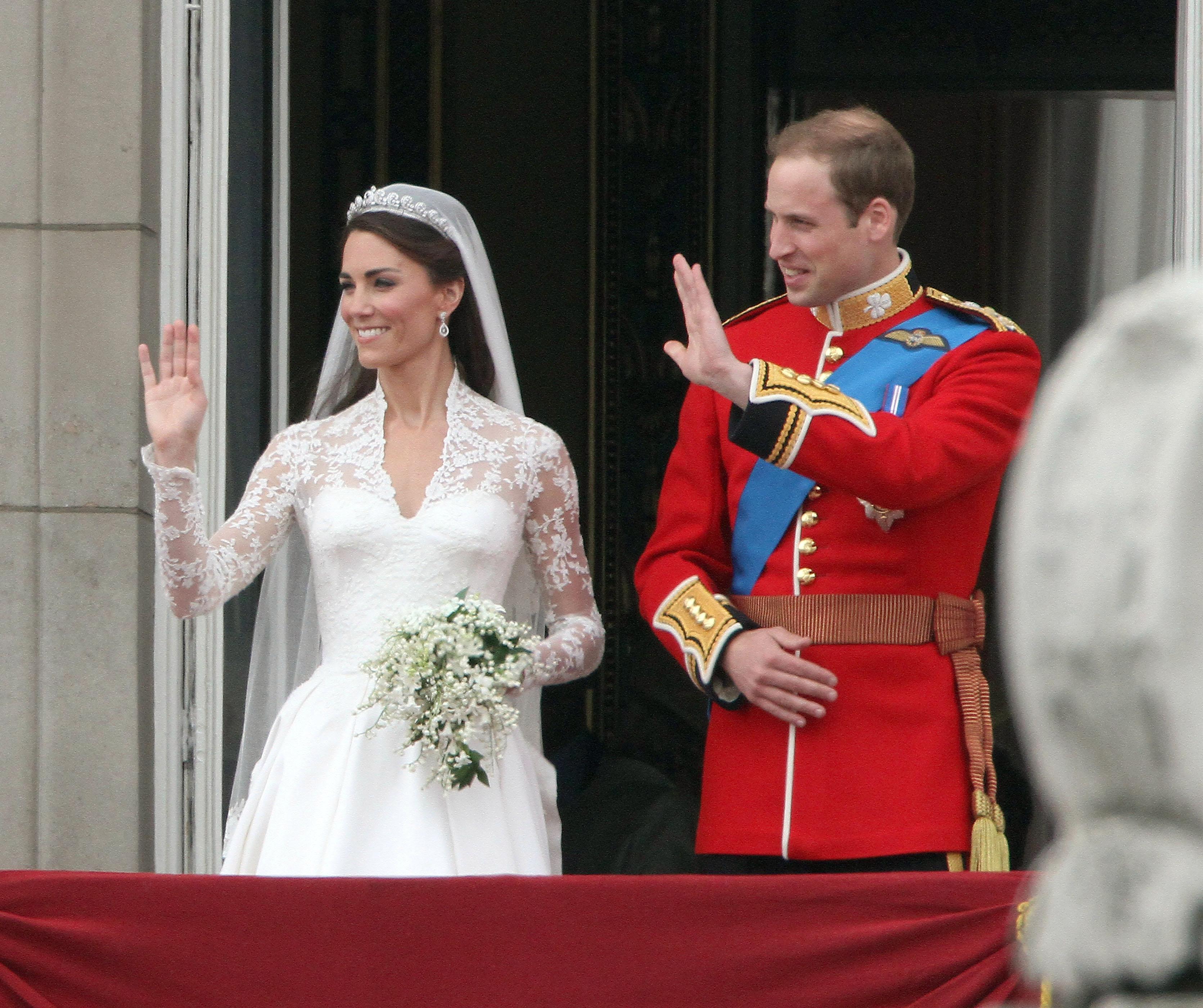 Kate Middleton: επτά χρόνια μετά αποκαλύφθηκε ότι άλλαξε νυφικό χτένισμα τελευταία στιγμή! | tlife.gr