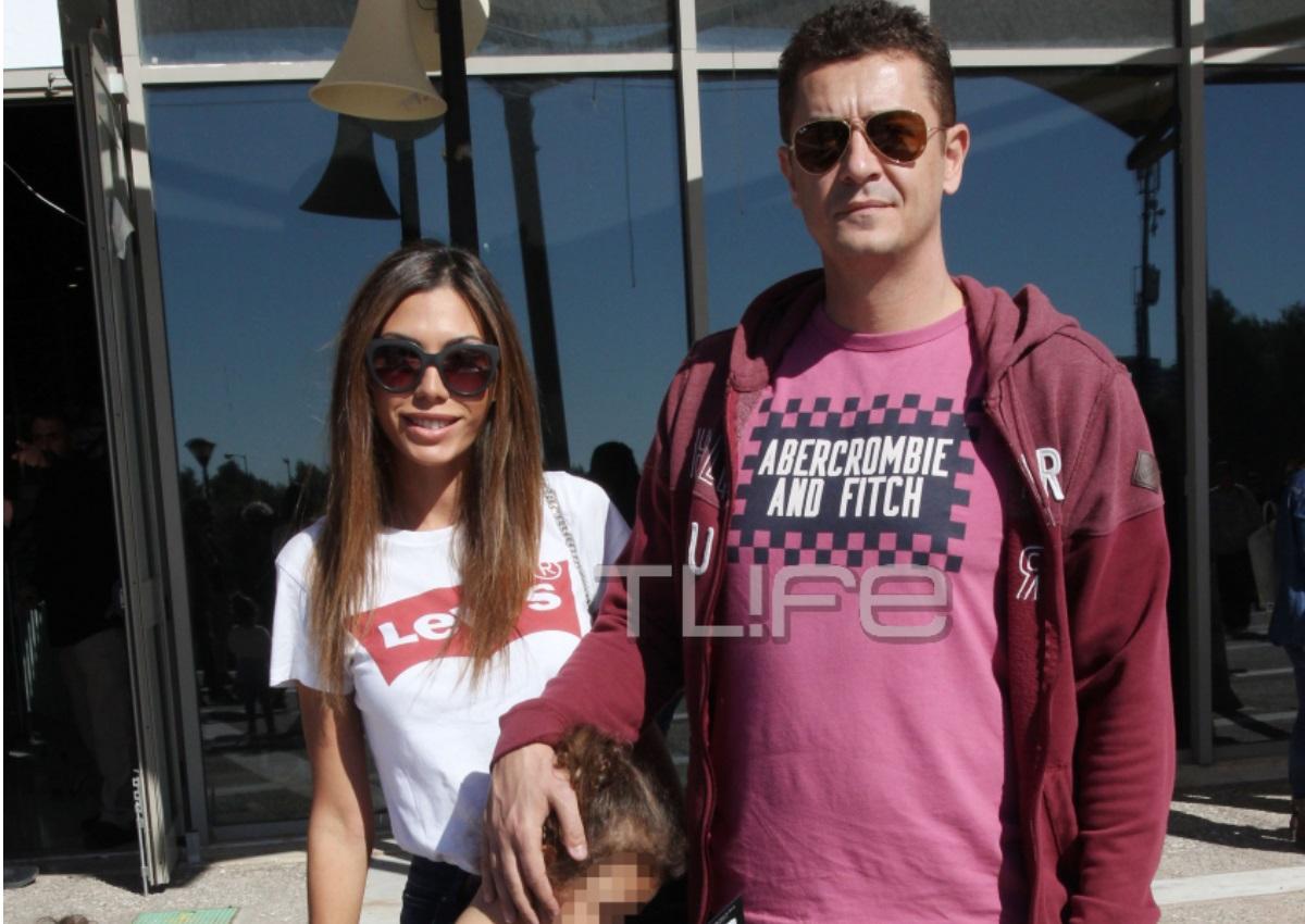 Αντώνης Σρόιτερ – Ιωάννα Μπούκη: Οικογενειακή βόλτα με τις κόρες τους στο Παλαιό Φάληρο! [pics]