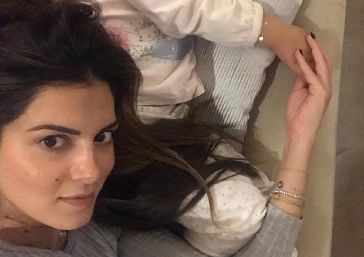 Σταματίνα Τσιμτσιλή: Φτιάχνει μελομακάρονα με τις κόρες της! | tlife.gr