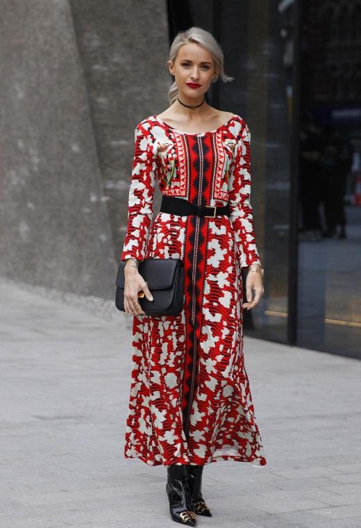 Λονδίνο με midi φόρεμα | tlife.gr