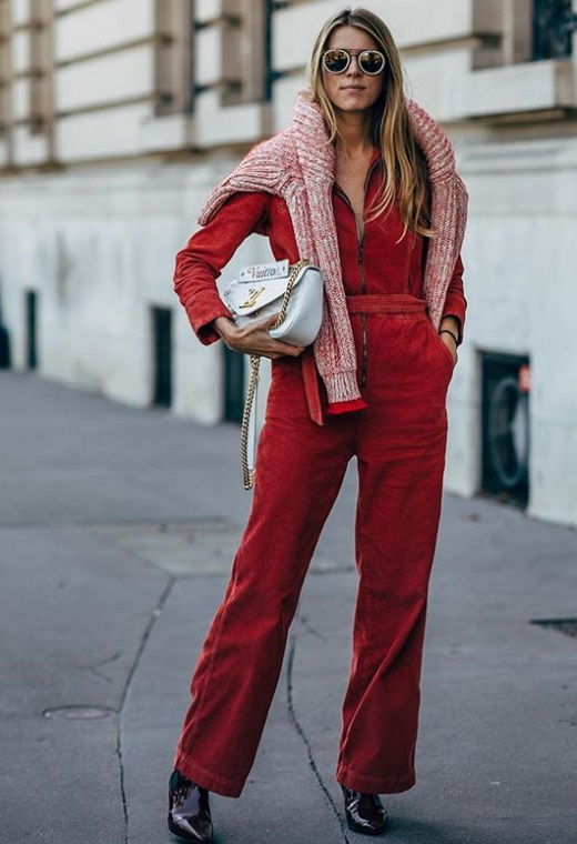 Παρίσι με κοτλέ ολόσωμη φόρμα | tlife.gr