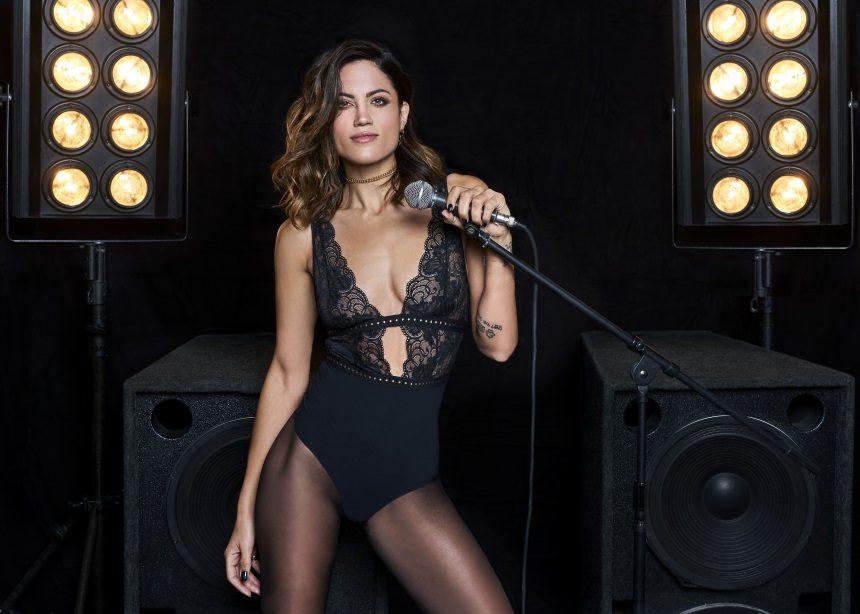 Η Μαίρη Συνατσάκη πρωταγωνιστεί στην εντυπωσιακή καμπάνια Tezenis! | tlife.gr