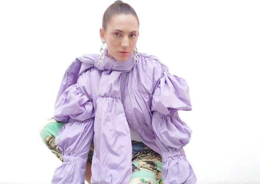 My Style Rocks: Ποια είναι η Φωτεινή Τράκα που ξεχωρίζει με τις ιδιαίτερες εμφανίσεις της;   tlife.gr